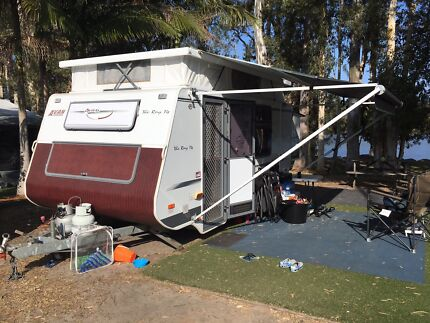 Avan Ray 14 Caravan with bunks and new roof, back and Awning