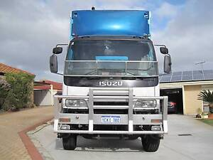 ISUZU 1400 AUTO LOW KMS Hamersley Stirling Area Preview