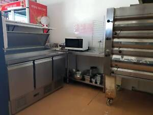 Pizza and Takeaway shop for sale