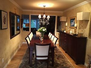 Dining room table chairs SELLING