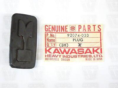 Kawasaki NOS NEW 92074-033 Rear Fender Rubber Plug KD MC1 KD100 KD80 1973-79