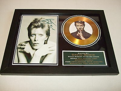 DAVID BOWIE  SIGNED FRAMED GOLD CD  DISC   55332