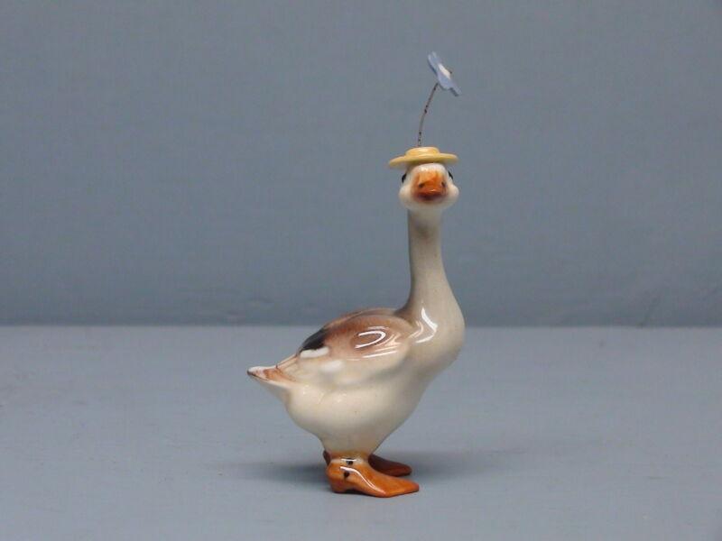 Old Monrovia Hagen Renaker Goose in Hat