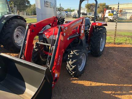 TRACTOR NEW MASSEY FERGUSON 2615 4WD WITH S/L LOADER