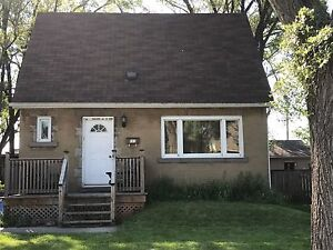 HOUSE FOR RENT IN PARKVIEW WEST AREA