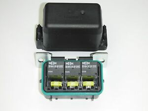 marine fuse block electrical lighting ebay rh ebay com marine fuse box replacement marine fuse box replacement