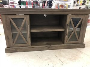 TV TABLE FOR SALE  ONLY $250