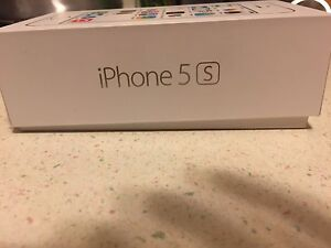 Apple IPhone 5S 16 Gb with Bell or Virgin