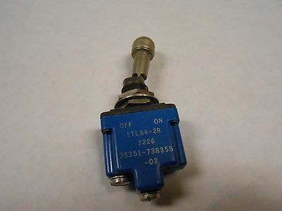 1TL-84-2R  TOGGLE SWITCH 115AC  10A OR 28VDC 20A  NEW OLD STOCK  2PCS