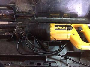 DeWalt corded sawzall with case