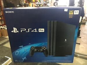 PlayStation 4 Pro Neuf dans la boîte New in the box