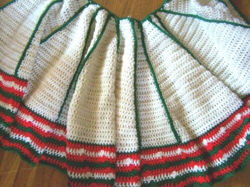 Vintage Hand KNIT Afghan Tree Skirt Christmas RED GREEN CREAM