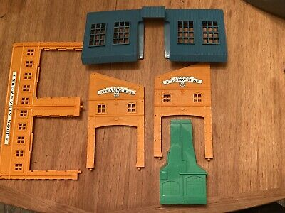 Thomas The Tank Engine Trackmaster Sodor Steamworks Part's Lot Walls Roof Only