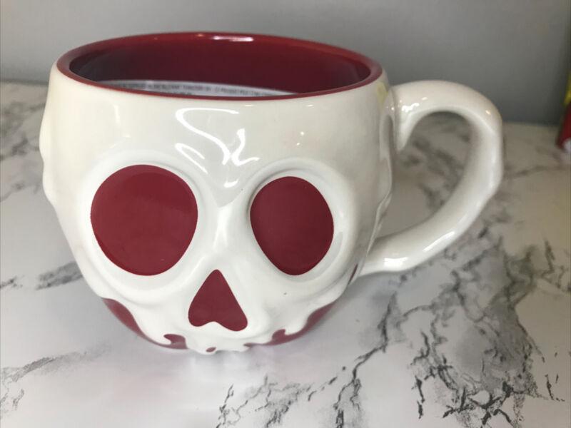NEW Disney Parks Snow White Evil Queen Poison Apple Ceramic Mug