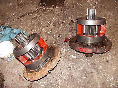 International 504 Utility Ih Tractor Axle Inner Drive Gear Brake Housing Holder