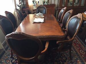 Italian dining room set MUST SELL THIS WEEK