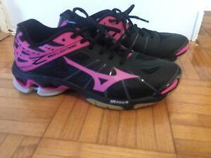 Court shoes women's 7