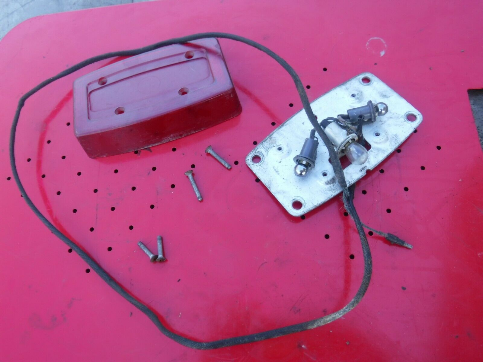 1973 MERCURY 440 MAX snowmobile parts: TAILLIGHT ASSEMBLY