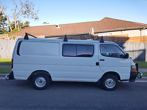 2003 Automatic Toyota Hiace Curl Curl Manly Area Preview
