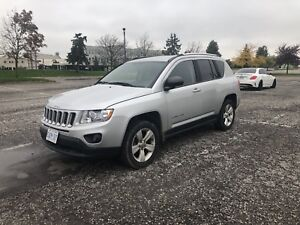 2012 Jeep Compass 4x4 (Winter Ready + CLEAN!)