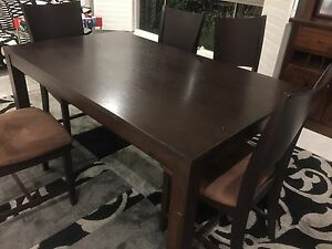 Freedom dining table 7 piece with chairs Middleton Grange Liverpool Area Preview