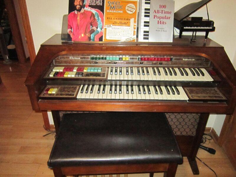 Thomas organ/piano