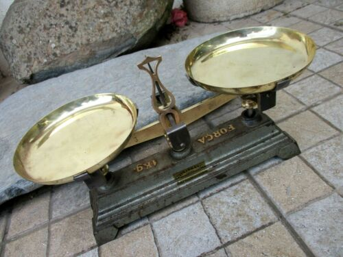 Vintage in Iron & Brass Marked Small Pharmacy Scale Balance Precision Up To 1 Kg