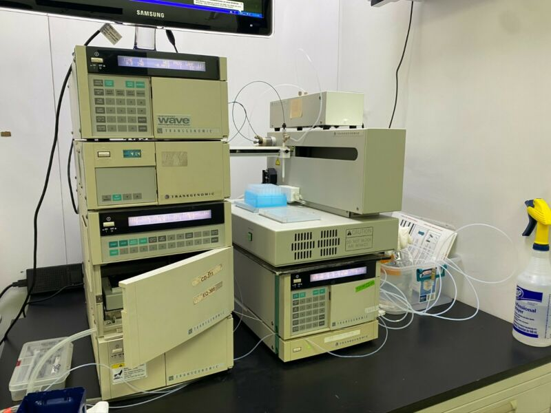 Transgenomic™ Wave Hitachi 3500 HPLC System with Fraction Collector Lot 4
