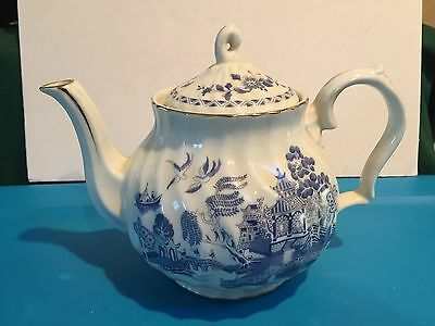 Robinson Design Group Japan Blue Willow Teapot - 1989 - MINT