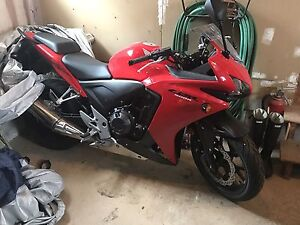2013 CBR500R Mint. Only 1400kms