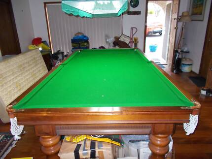 10 x 5ft pool table