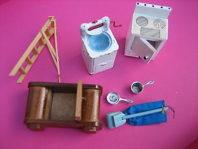 Dolls' House – Job Lot of Old/Vintage Items