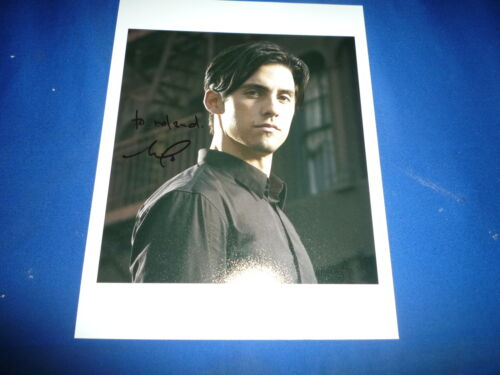 MILO VENTIMIGLIA signed Autogramm 20x25 cm In Person HEROES , GILMORE GIRLS