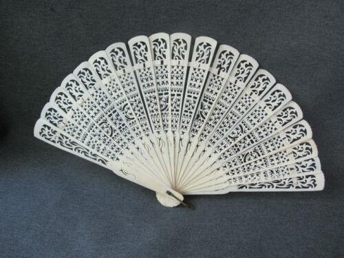 Antique chinese pierced bovine bone brise hand fan for restrung