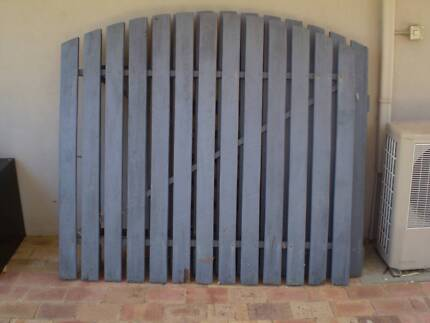 Gates steel and wood (pair)