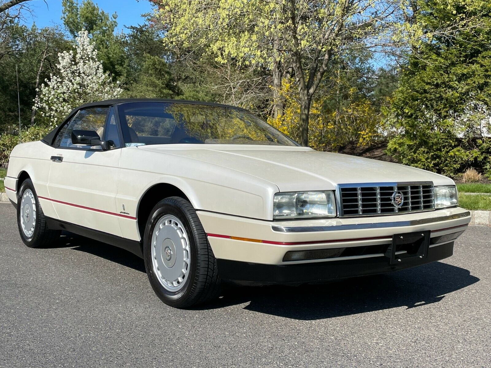 1992 CADILLAC ALLANTE SOFT TOP CONVERTIBLE ONLY 49K MILES RARE FIND LOW MILES !