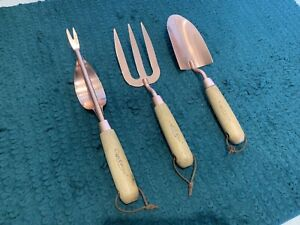 Cyclone gardening hand tools set in rose gold carbon steel