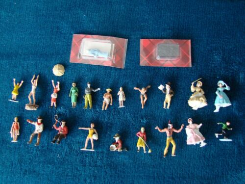 Lot of 22 Vintage 1/87  Mini-Figures HO-Scale  Pre-Painted Figures.