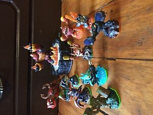 Skylanders figures and other Wii games