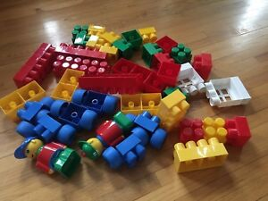 Mega blocks/LEGO blocks