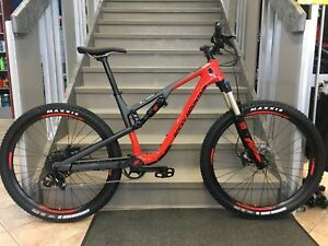 Rocky Mountain Thunderbolt C30 médium 2018 $2999.00