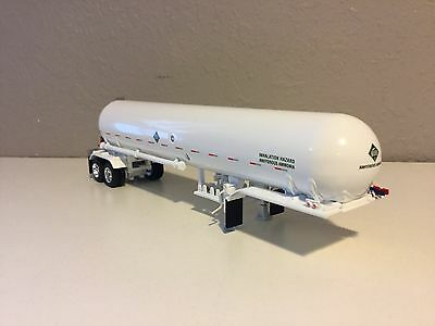 DCP 1/64 All White Anhydrous Tanker Trailer W/ White Fenders