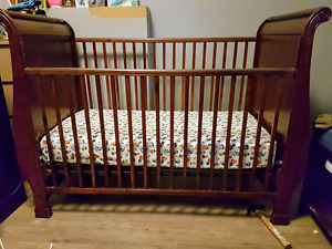 ■REDUCED■Matching  Wood Crib And Change Table $200