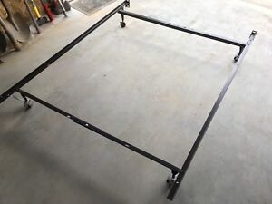 Metal bed frame - single/double - SOLD PPU