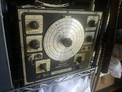 Vintage Precision Apparatus Co. Signal Generator Series E-200-c Powers On