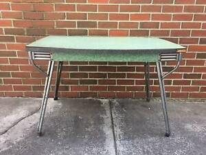 Retro 60s Table