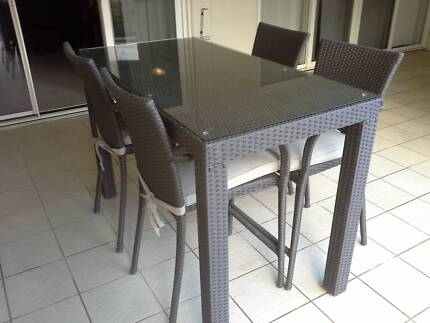 Outdoor wicker bar table and 4 stools Flemington Melbourne City Preview