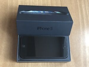 I Phone 5 16GB in Space Grey