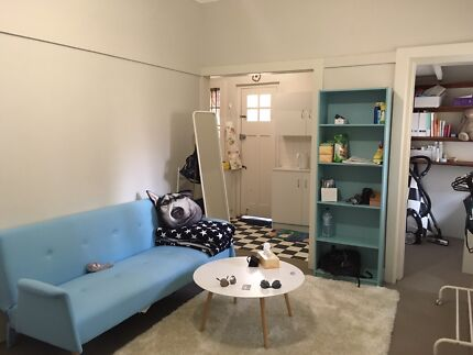 available now!1.5 bedroom fully furnished apartment in Bondi beach