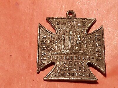 Lovely old pendant/medallion complete! condition as photos. L127k